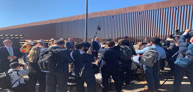 Donald_Trump_Border_Wall