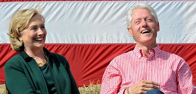 Hillary-and-Bill-Clinton_Indianola_Iowa_Gettys-Images