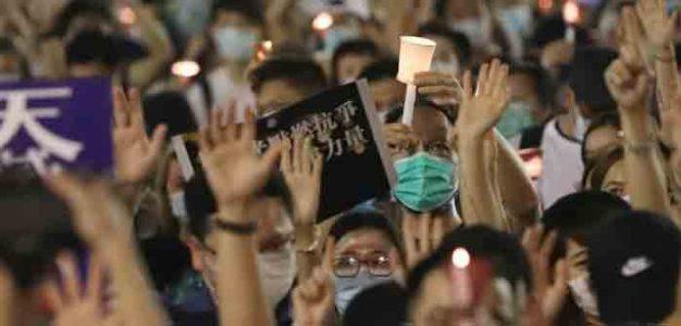 Hong_Kong_31_Tiananmen_Square