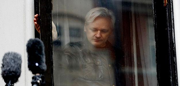 Julian_Assange_AP
