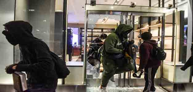 Looters_NYC_Rolex_Store_GettyImages_Stephanie_Keith
