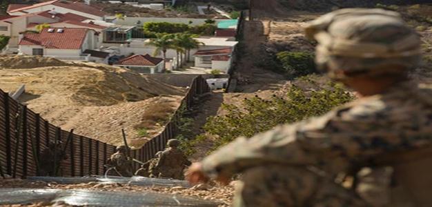 Marine_on_California_Mexico_border