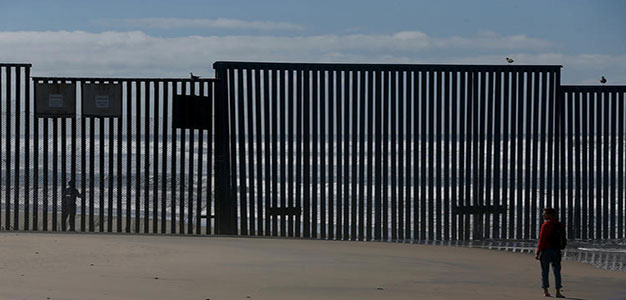 Mexico_Border_Fence_Justin_Sullivan_GettyImages