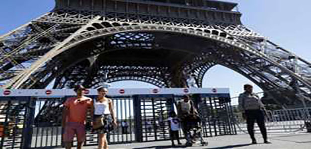 Paris to Put up Glass 'Bullet Proof' Wall to Protect Eiffel Tower…