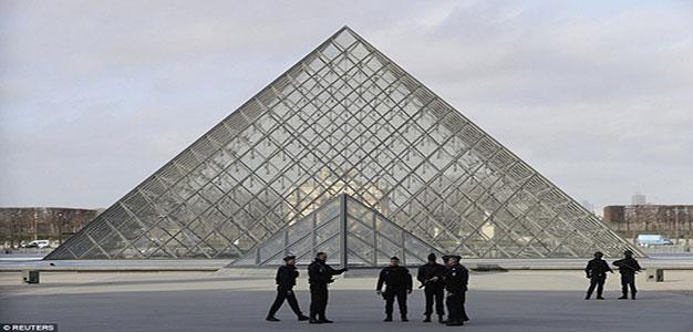 Paris_the_Louvre
