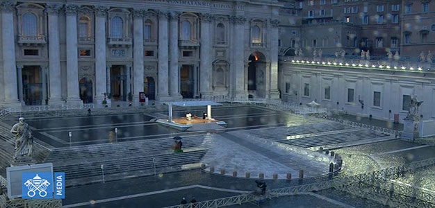 Pope_Francis_St_Peters_Square