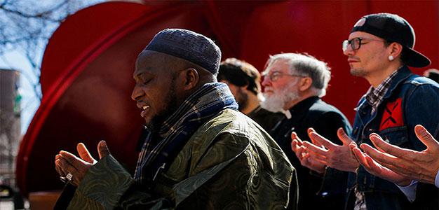 Prayer_Reuters_Eduardo_Munoz