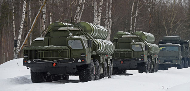 Russia's S-400 Air Defense Systems Mobilized Near Moscow in Snap Exercise…