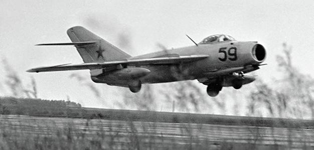 Soviet_War_Plane_Sputnik_Yu_Kravchuck