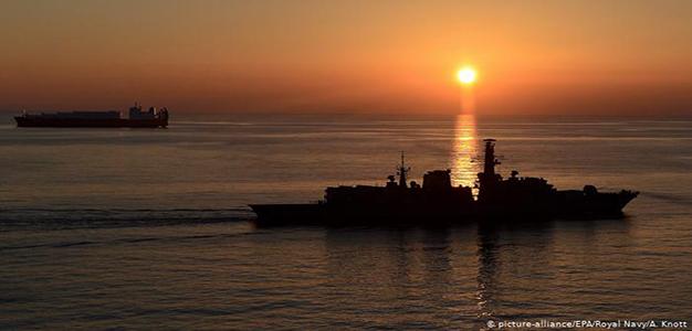 Strait_of_Hormuz_Picture-Alliance_EPA_Royal_Navy_A_Knott