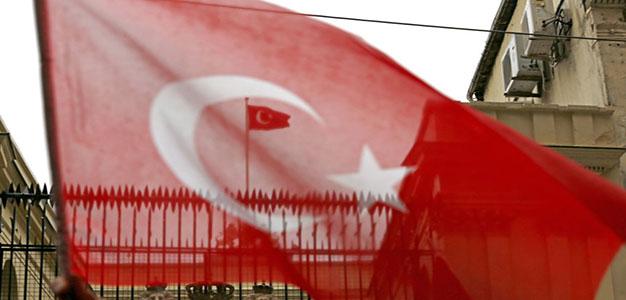 Turkish_Flag_Cem_Turkel_Shutterstock