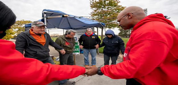 UAW_Local_22_The_Detroit_News_David_Guralnick