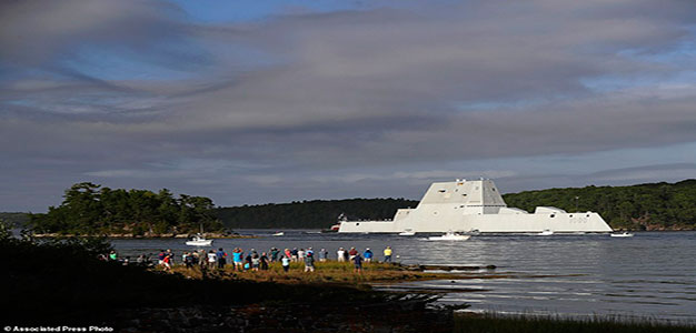 USS Zumwalt_Kennebec River