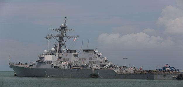 USS_John_McCain_2