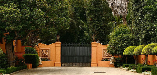 Wealthy_Gated_Home_LA