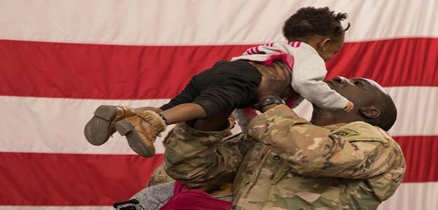 soldier_reunites_with_daughter_us_military_US_Army