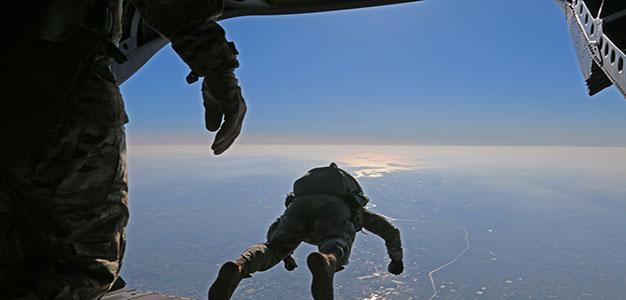 u.s._military_paratroopers