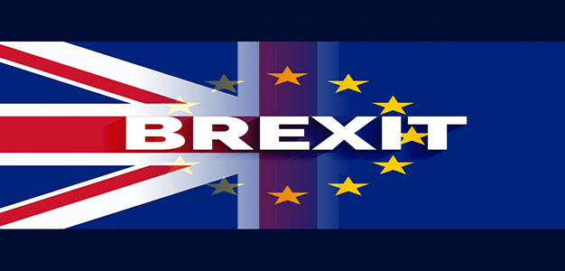 uk-and-eu-flag-with-brexit-text_1017